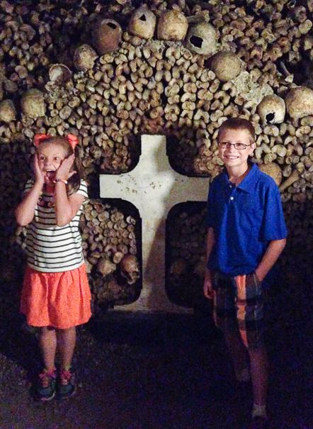 Paris Catacombs - Paris history for kids