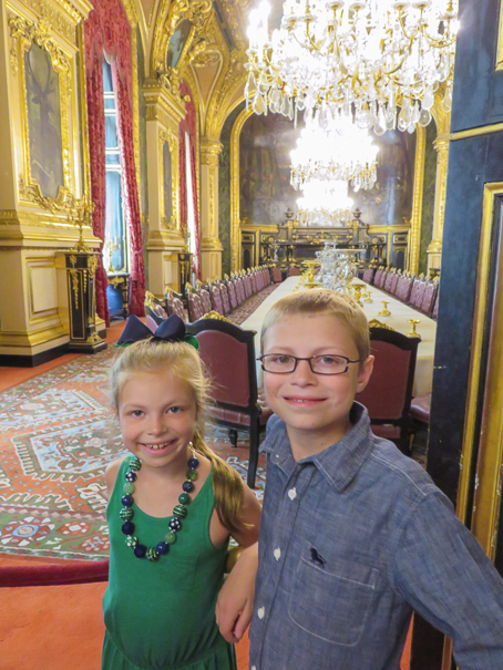 Visit the Louvre - Paris with kids itinerary