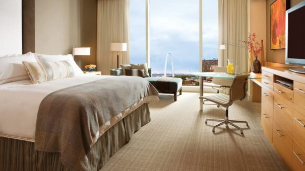 Four Seasons St. Louis - Rooms with a View