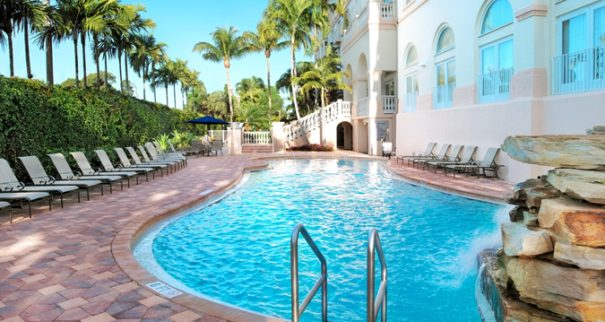 Hilton Naples Pool - resorts on Gulf Coast Florida