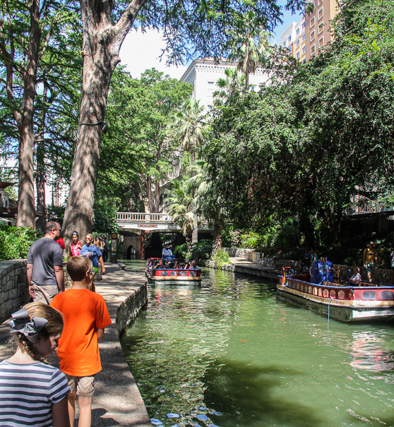 Riverwalk - San Antonio with kids