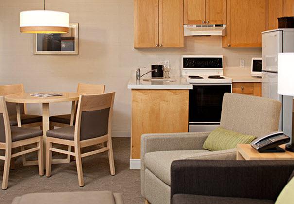 Whistler ski area family hotel - Delta Whistler Village Suites