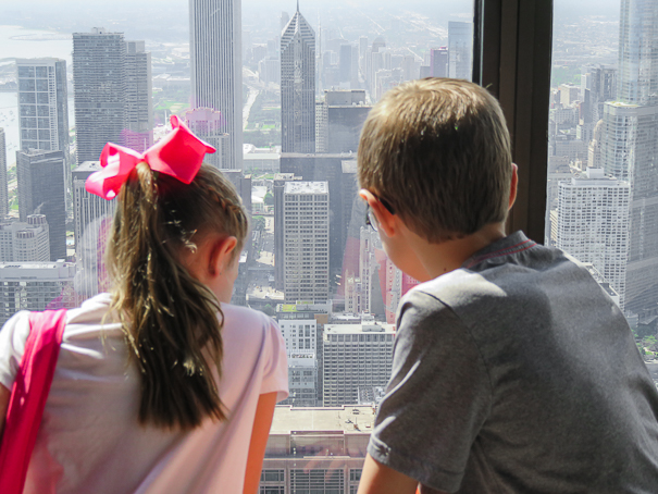 Indoor things to do in Chicago - Skydeck Chicago with kids.