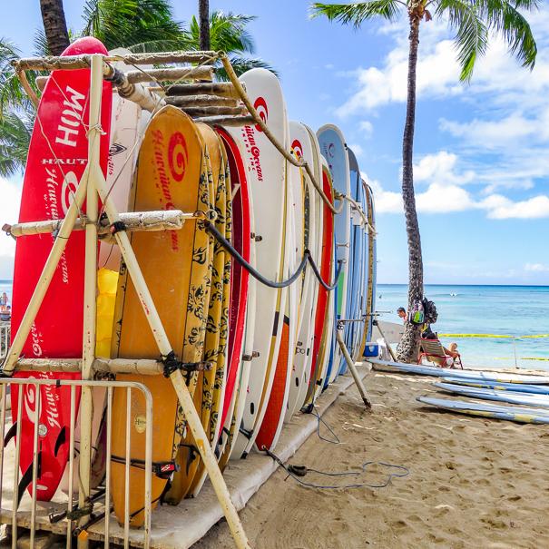 Duke Kahanamoku Waikiki Beach - Oahu Hawaii with kids