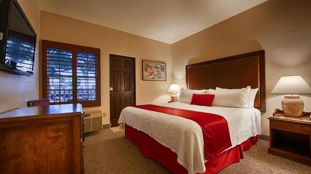 San Diego family accommodation - Best Western Hacienda San Diego