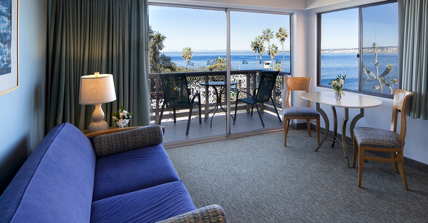 La Jolla Cove Suites Room
