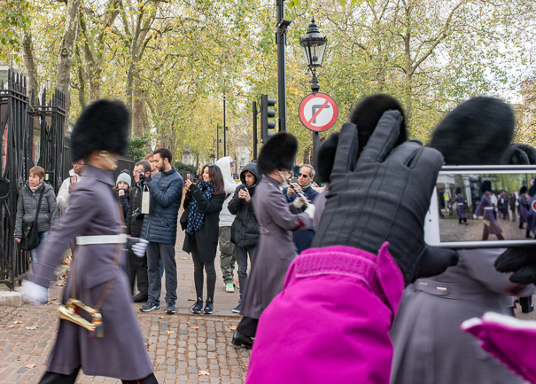 Changing of the guard - fun activities for kids in London