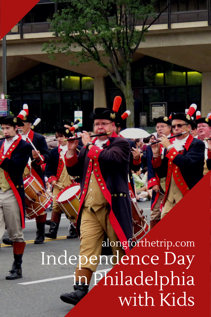 Philadelphia is a great city to explore with kids on Independence Day. Here's how to maximize 48 hours in this great city on America's birthday! | #familytravel #nationalparks #philly #Philadelphia