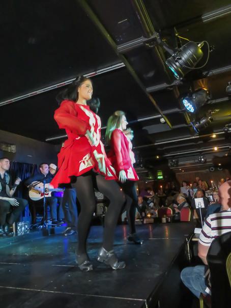 Irish dance show at the Arlington Hotel - Dublin with kids