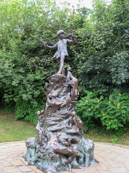 Visiting Peter Pan in London with kids