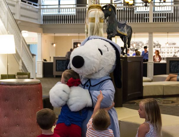 Hotel Breakers Snoopy Cedar Point