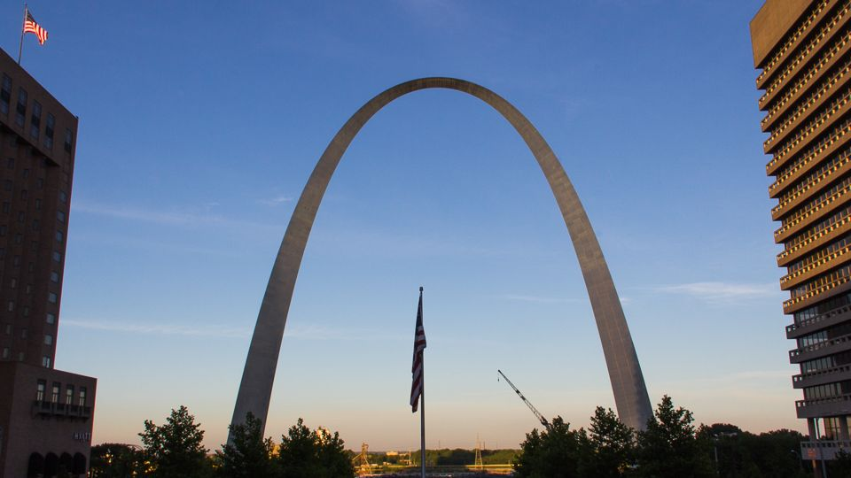 Gateway Arch National Monument with kids