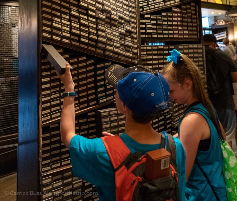 Universal Orlando Harry Potter Ollivander's Wand Shop