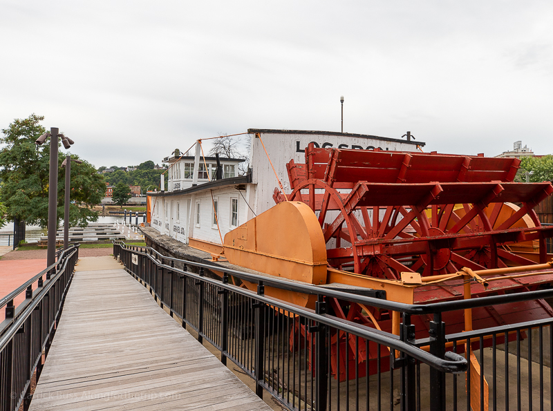 Riverboats at The National Mississippi River Museum & Aquarium
