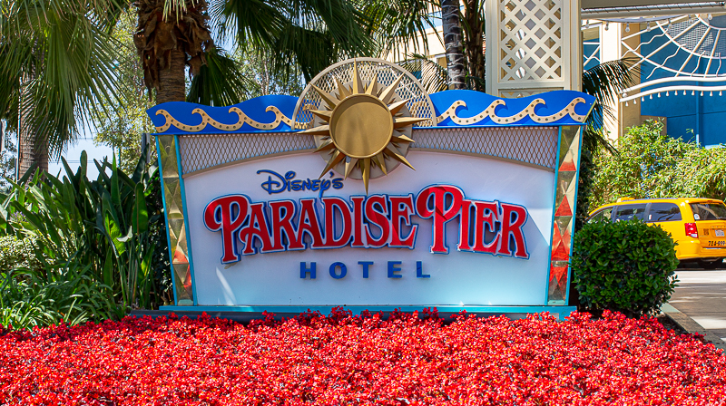 Disney's Paradise Pier - hotels across the street from Disneyland